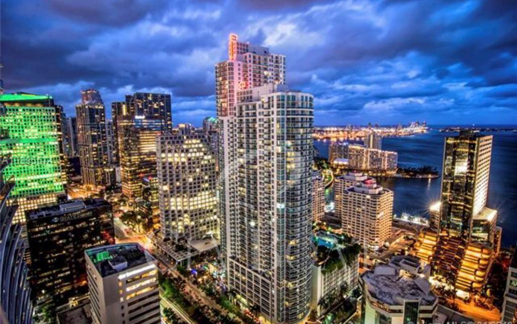 Miami - <span class='text-uppercase'>FL</span>